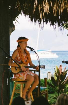 hula-uke-player
